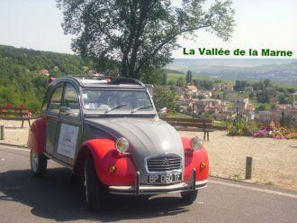 visiter Reims en 2CV du vignoble de champagne à bord d'une 2cv